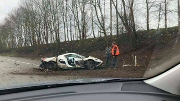 Ferrari 458 Speciale Aperta gặp tai nạn nghiêm trọng trên cao tốc