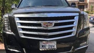 Đàm Vĩnh Hưng khoe SUV hạng sang Cadillac Escalade mới tậu với biển số đặc biệt