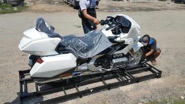 """""""Đập thùng"""" Honda Gold Wing 2018 đầu tiên tại Việt Nam"""