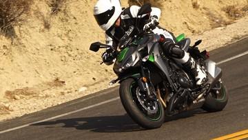 Giá xe Kawasaki Z1000  tháng 6/2018