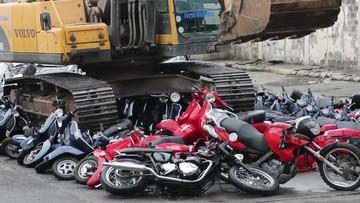 Philippines nghiền nát lô xe mô tô lậu trị giá gần 15 tỷ đồng