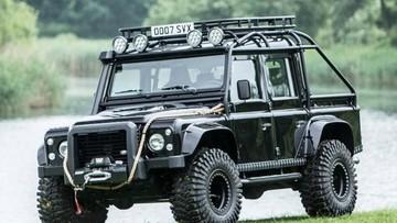 Land Rover Defender SVX 2014 - Xe off-road độ trong phim 007 sẽ được bán đấu giá