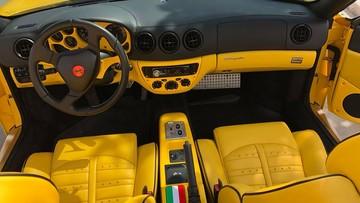 Đánh giá nhanh nội thất siêu xe mui trần Ferrari 360 Spider hàng hiếm tại Việt Nam