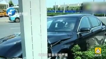 Phẫn nộ trước nhân viên đại lý BMW đâm hỏng xe, người mua lại phải chi tiền sửa chữa