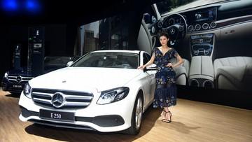 Mercedes-Benz C-Class và E-Class thêm trang bị, giá không đổi