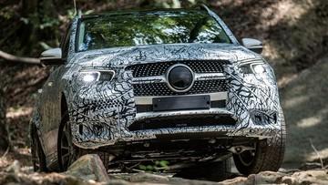 Mãn nhãn xem Mercedes-Benz GLE450 2020 tự mình thoát khỏi hố cát