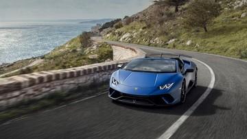 Xem màn lái xe vượt đường đèo với siêu xe Lamborghini Huracan Performante Spyder