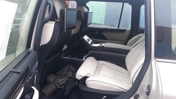Lexus LX570 Super Sport 2018 phiên bản 4 chỗ ngồi đầu tiên cập bến Việt Nam