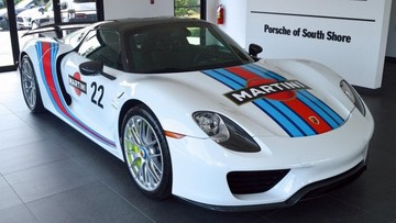 """Rao bán Porsche 918 Spyder mới lăn bánh chỉ 72 km với giá """"cắt cổ"""""""