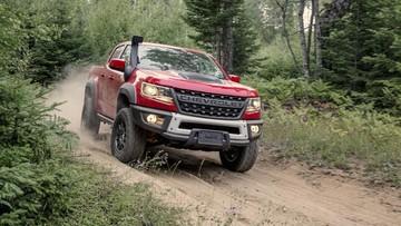 Chevrolet Colorado ZR2 Bison 2019 ra mắt, Ford Ranger Raptor 2019 hãy coi chừng!