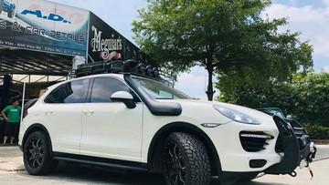 Thêm SUV hạng sang Porsche Cayenne của nhà giàu Việt độ theo phong cách off-road