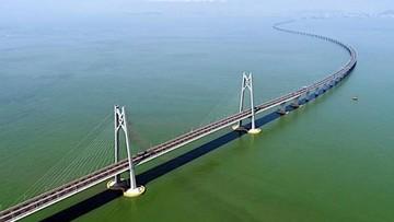 Trung Quốc mở cửa cây cầu vượt biển dài nhất trên thế giới