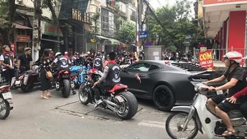 """Chevrolet Camaro cùng dàn xe Harley-Davidson hàng """"khủng"""" tham gia rước dâu đình đám tại Hà Nội"""