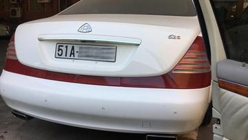 """Quá nhiều xe """"khủng"""" để sử dụng, Chủ tịch Trung Nguyên """"bỏ rơi"""" Maybach 62S tại Hà Nội"""