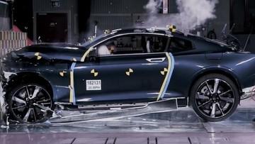 Đây là minh chứng cho thấy sự an toàn của thân vỏ sợi carbon trên xe Volvo