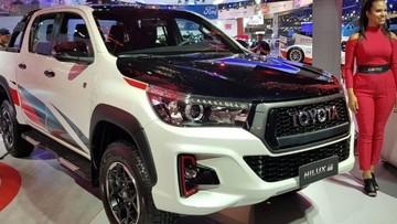 Toyota Hilux GR Sport - Mẫu bán tải hiệu suất cao, hình dáng hầm hố được ra mắt