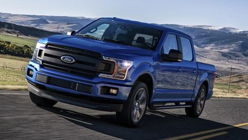 Khách hàng mua xe sang đang từ bỏ sedan và coupe để đổ tiền vào xe bán tải cao cấp