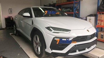 """""""Tóm gọn"""" siêu SUV Lamborghini Urus được vận chuyển về showroom chính hãng tại Hà Nội"""