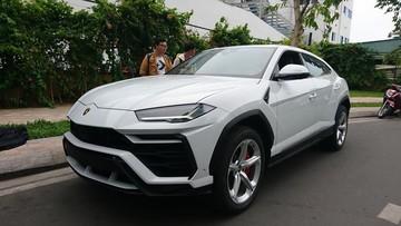 """Lamborghini Urus lần đầu tiên cập bến Sài thành đã """"trốn"""" vào toà nhà cao nhất Việt Nam để trú ngụ"""