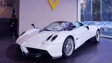 Siêu xe triệu đô Pagani Huayra mui trần đầu tiên được rao bán trên thế giới