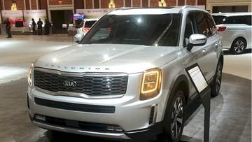 """Ngắm hình ảnh """"bằng xương bằng thịt"""" của Kia Telluride 2020 - SUV cỡ lớn cạnh tranh Ford Explorer"""