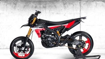 """""""Nhỏ dãi"""" với Supermoto trị giá gần 1 tỷ đồng của Rotobox từ nền tảng cào cào Yamaha WR-F"""
