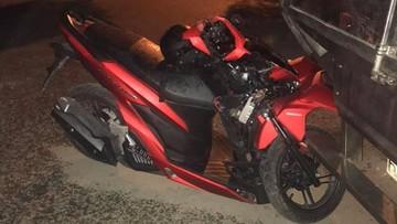 Sài Gòn: Honda Vario 150 chưa ra biển đâm thẳng vào đuôi xe tải, người điều khiển tử vong