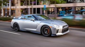 """""""Godzilla"""" Nissan GT-R 2019 tiếp tục là siêu xe """"ngon, bổ, rẻ"""""""