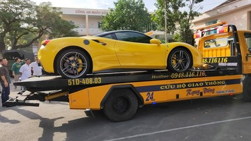 Sau nửa năm về Bình Dương, siêu xe Ferrari 488 GTB màu vàng đã được chủ nhân đem đi đăng ký biển số
