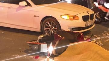 Hà Nội: Ô tô BMW do nữ tài xế điều khiển va chạm với xe máy khiến 1 cô gái tử vong