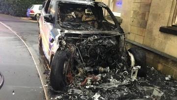 SUV hạng sang Range Rover Sport bất ngờ bốc cháy khiến cựu vận động viên bơi lội bức xúc