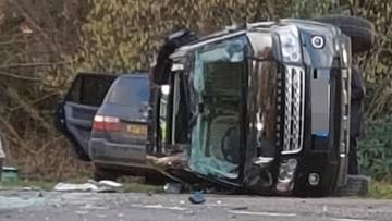 Phu quân 97 tuổi của Nữ hoàng Anh gặp nạn khi đang lái chiếc SUV hạng sang Land Rover