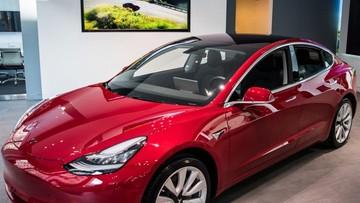 Tesla Model 3 đánh bại hàng loạt SUV để trở thành xe sang bán chạy nhất năm 2018 tại Mỹ