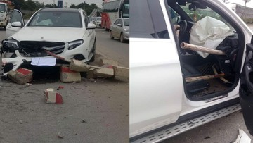 """Hà Nội: Mercedes-Benz GLC """"hạ gục"""" dải phân cách, bị 2 thanh sắt xuyên vào nội thất"""