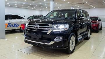 Soi chi tiết Toyota Land Cruiser VXR 2019 độ 4 chỗ mới về Việt Nam, đắt hơn Lexus LX570 chính hãng