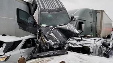 Tai nạn liên hoàn của 47 chiếc ô tô tại Mỹ khiến nhiều người chứng kiến thót tim