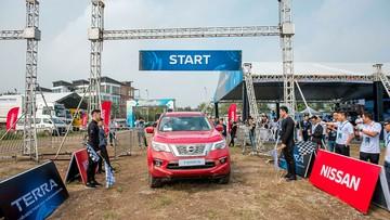 Trải nghiệm và thử sức Nissan Terra trên 5 bài kiểm tra địa hình khác nhau