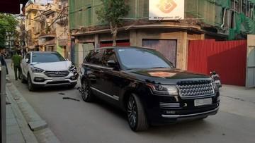 """Hải Phòng: Va chạm với Hyundai Santa Fe, chiếc Range Rover được cư dân mạng tấm tắc khen """"tiền nào của nấy"""""""