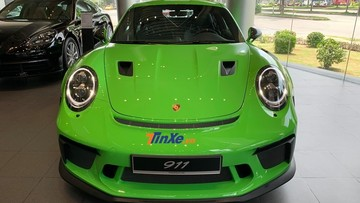 """Chỉ riêng tiền """"đồ chơi"""" của chiếc Porsche 911 GT3 RS 2019 này có thể mua được Toyota Camry 2019"""