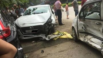 Tuyên Quang: Đạp nhầm chân ga khi lùi, nữ tài xế điều khiển Mazda3 gây tai nạn liên hoàn