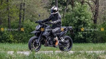 """Lộ ảnh chạy thử KTM 790 SMC R- """"Người thừa kế"""" đầy tiềm năng cho Supermoto 690 SMC R"""