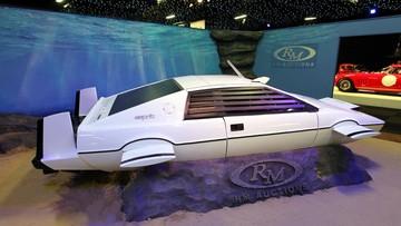 CEO Elon Musk tuyên bố Tesla đã thiết kế một mẫu xe lai tàu ngầm nhưng không có ý định công bố