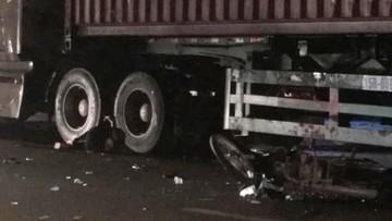 Quảng Ninh: Xe máy va chạm với xe container, nữ sinh lớp 10 chết thảm