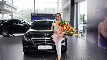 Nữ ca sỹ Giang Hồng Ngọc sắm xế sang Mercedes-Benz E-Class 2019 sau 5 năm dùng Mazda