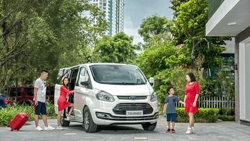 Ford Tourneo chính thức có giá bán từ 999 triệu đồng, Kia Sedona sắp bị đe doạ