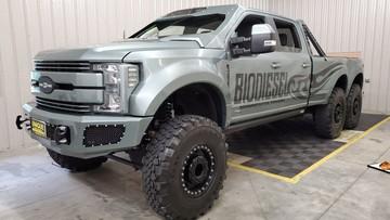 """Ford F-550 Super Duty 6×6 """"Indomitus"""" - Chiếc xe 6 bánh hầm hố được chào bán với giá 3,36 tỷ Đồng"""