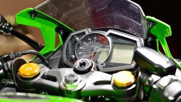Cận cảnh Kawasaki Ninja ZX-25R - Sportbike mạnh nhất phân khúc với tua máy lên đến 20.000 vòng/phút
