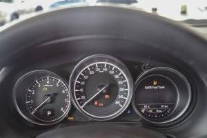 Cụm đồng hồ lái của Mazda 3 2017