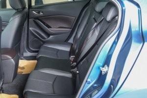 Hàng ghế sau của Mazda 3 2017