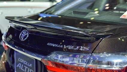 thiết kế đuôi xe Toyota Corolla Altis 2017